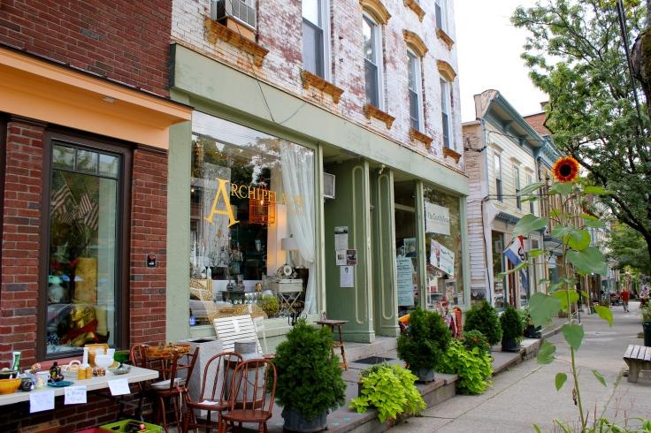 Tiendas de Antigüedades en Main Street