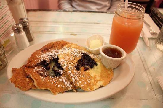 kitchenette restaurant desayuno con la abuela